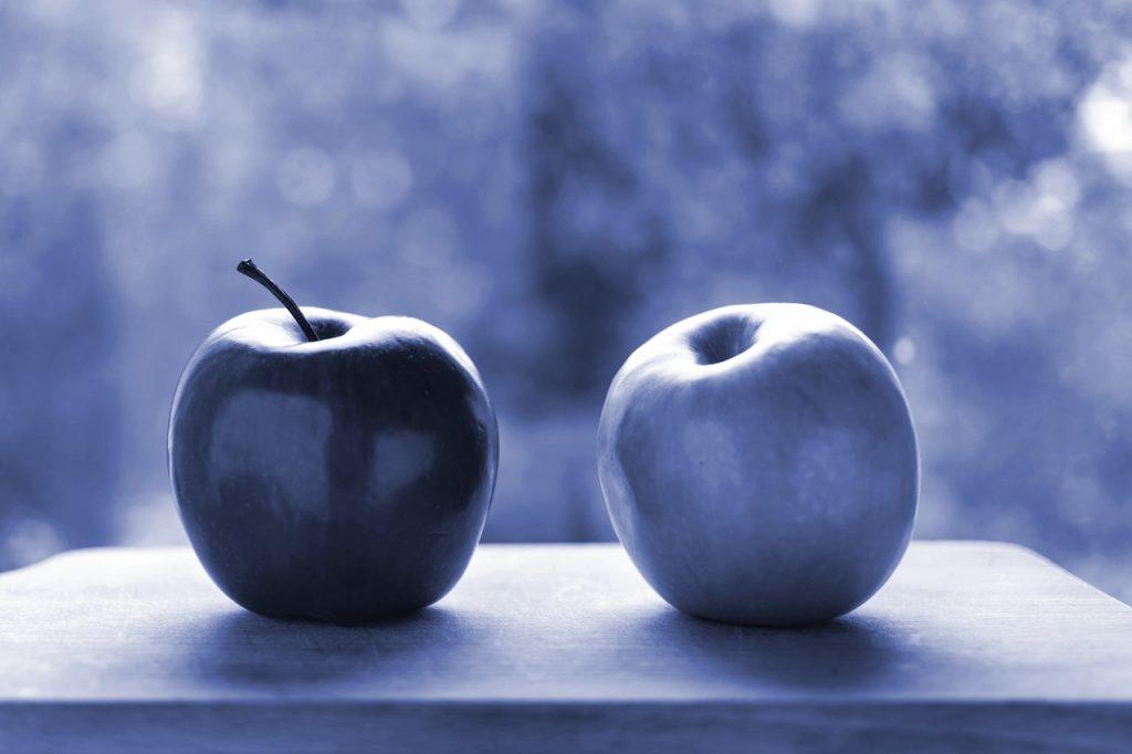 Symbolbild Marketing Qualified Lead: ein reifer und ein grüner Apfel